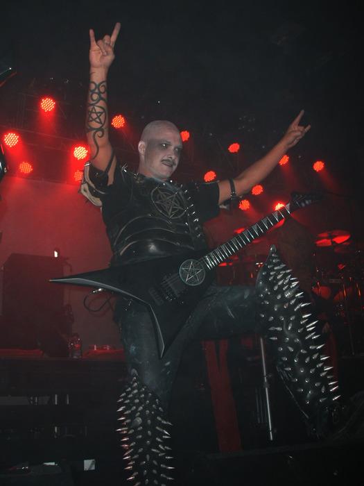 Здесь вы можете посмотреть видео концерт Dimmu Borgir. Не забудьте...