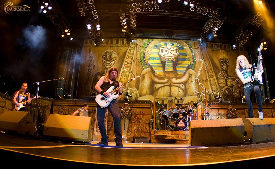 <<CRÓNICA>>  IRON MAIDEN - Somewhere Back In Time Tour  (19/08/2008) Estadio Olimpico de Moscú 2228-47